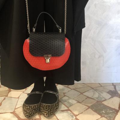 borsa-silvia's-think-bauletto-rosso-pavimentazione-industriale-artigianato-femminile-handmade-crazy-art-torino