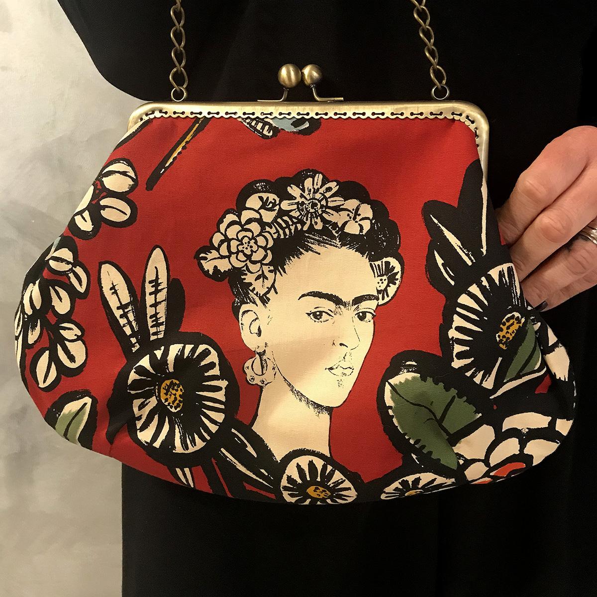 mini-bag-let-bags-frida-rosso-stoffa-pelle-artigianato-femminile-accessori-moda-crazy-art-torino