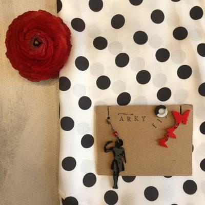 orecchini-arky-fly-plexiglass-accessori-moda-artigianato-handmade-pistola-e-farfalle-crazy-art-torino