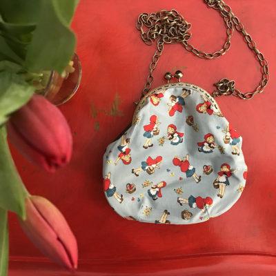 pochette-LeT-Bags-Cappuccetto-Rosso-stoffa-pelle-artigianato-femminile-handmade-crazy-art-torino