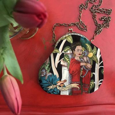 pochette-LeT-Bags-Frida-in-rosso-stoffa-pelle-artigianato-femminile-handmade-crazy-art-torino