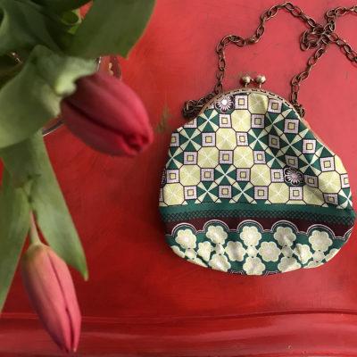 pochette-LeT-Bags-Geometrico-stoffa-pelle-artigianato-femminile-handmade-crazy-art-torino