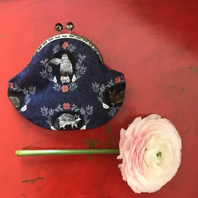 portamonete-LeT-Bags-gufo-blu-stoffa-pelle-artigianato-femminile-handmade-crazy-art-torino